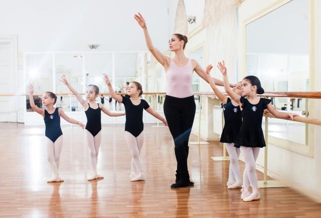 バレエをしている写真