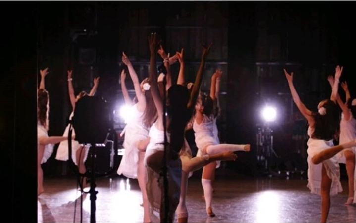最前列で踊るということの写真